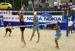 8964-fotogalerie-rv.ch (Robi33) Tags: show summer game sport ball court switzerland sand play action competition basel victory player beachvolleyball international block umpire viewers