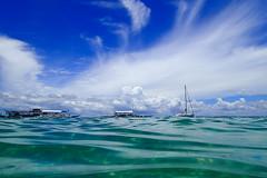 Blue Sky & Green Sea (Apricot Cafe) Tags: vacation beach resort フィリピン 中央ヴィサヤ ラプ=ラプ philippinesフィリピン cebuセブ mactanislandマクタン島 tg28220857 jparkislandresortwaterparkcebu