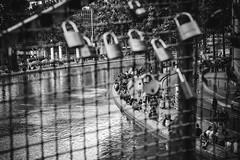 They are everywhere... (Mateus Carvalho |) Tags: city bridge blackandwhite bw paris france canal saintmartin frana ponte locks pretoebranco passarela canalsaintmartin cadeados nikkor2870 nikond800 lecanalsaintmartin mateuscarvalho