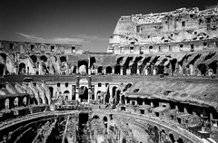People Inside the Colisseum, Rome (Sophie Carr Photography) Tags: bw italy rome history blackwhite colisseum colosseo romanbuilding