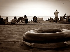 Busy Beach (Anna Holly) Tags: people beach sand ring busy relaxation broadstairs