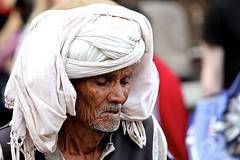 Jaipur man (Saleha Ullah) Tags: india oldman turban jaipur