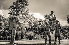 Homenagem (Gonzalo Ribas) Tags: bw portugal statue fireman tribute esttua torres homenagem bombeiros vedras