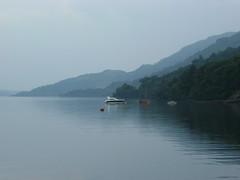 Loch Lomond (pjfchad) Tags: mist lake scotland boat highlands loch lochlomond tarbet scottishhighlands