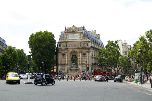 Thumbnail from Place Saint-Michel