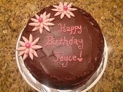 Flower cake by Heather, Linn Cnty, IA, www.birthdaycakes4free.com