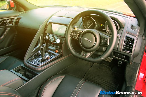 Jaguar-F-Type-Coupe-R-06