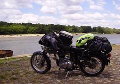 Royal Enfield Bullet 500 2011 (JPC24M) Tags: luggage motorbike moto loire touring tourisme monocylindre monocylinder