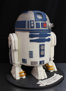 R2D2 cake med