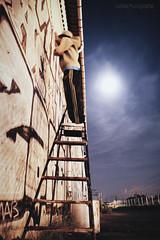 Writers * (Le***Refs *PHOTOGRAPHIE*) Tags: longexposure light moon art wall night lune graffiti nikon paint cans mur nuit sprays escabot lerefs