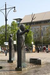 Möwenbrunnen, Neptun (julia_HalleFotoFan) Tags: germany brunnen balticsea rostock marktplatz mecklenburgvorpommern waldemarotto möwenbrunnen