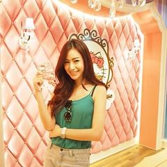 บัตรเงินสด Cash Card  LIVE บัตรสมาชิก Sanrio Hello Kitty House Bangkok บัตรสำหรับคนรักคิตตี้ มูลค่า 2500 บาท  LAUGH บัตรสมาชิก Sanrio Hello Kitty House Bangkok บัตรสมาชิกสำหรับคนรักคิตตี้ มูลค่า 5000 บาท  LOVE บัตรสมาชิก Sanrio Hello Kitty House Bangkok บ