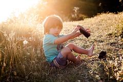 [victor&familia] (Cirileta) Tags: family sunset portrait baby love familia children atardecer retrato amor mother lifestyle beb motherhood nio madre goldenhour maternidad horadorada