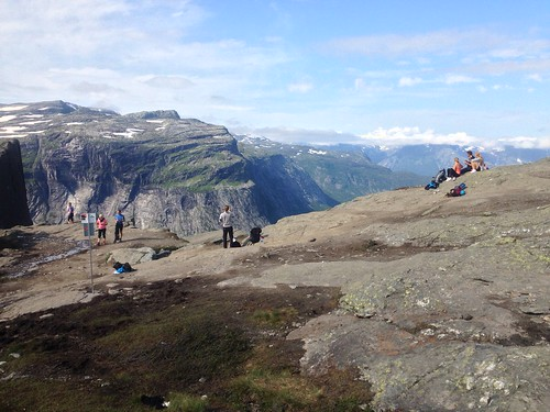 Hiking back from Trolltunga