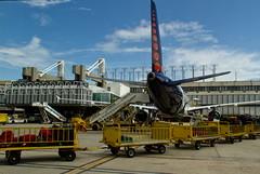 Aeroporto Lisboa (miza monteiro) Tags: lisboa aeroporto viagem avio ceu viajar