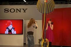 Photokina 2014 (austrianpsycho) Tags: woman girl germany deutschland model sony cologne shooting frau messe softbox photokina köln koelnmesse fotoshooting kölnmesse bühne lichtformer fotomesse photokina2014