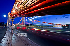 Chelsea Bridge Light (david gutierrez [ www.davidgutierrez.co.uk ]) Tags: city uk longexposure light red sky urban london art colors architecture night clouds t photography design twilight arquitectura dusk perspective architectural architect le londres architektur lighttrails bluehour londra nocturne londonbus chelseabridge londyn davidgutierrez pentaxk5