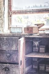 alte Spritzenproduktion (Alexander Kulla) Tags: door window lost thringen stair decay fenster labor treppe tr glas abondoned urbex spritze lostplace
