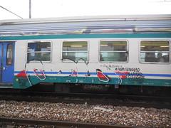 vi manteniamo il lavoro e ci cagate il cazzo (en-ri) Tags: gelo train writing torino graffiti crew buff rosso nero reptiles icer rayoz guht