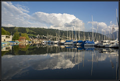 Harbour reflections (Ciao Anita!) Tags: friends lake haven mountains reflection clouds montagne boats lago switzerland meer nuvole harbour wolken zug barche boten porto bergen svizzera reflexions riflesso zugersee weerspiegeling zwitserland theperfectphotographer cantonofzug