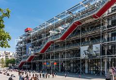 Centro Nacional de Arte y Cultura Georges Pompidou (JuliottC) Tags: de arte y edificio centro catedral ciudad notredame pompidou francia nacional georges cultura pars