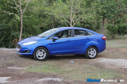 2014-Ford-Fiesta-17