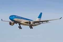 LV-FNI (rcspotting) Tags: mia airbus a330200 argentinas aerolíneas avgeek kmia rcspotting lvfni