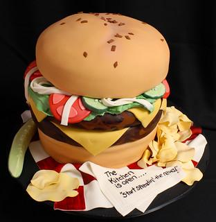 Cheeseburger Cake med