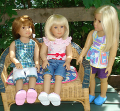 Relaxing on a warm summer day (Barb N W) Tags: alexis summer dolls grace galina kidzncats
