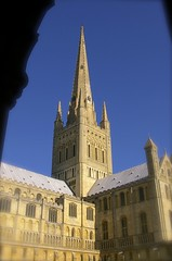Norwich Cathedral (www.fstop22.info) Tags: worship cathedral norfolk spire norwichcathedral