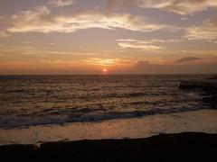 Katsuyama Beach Sunset (izunavi) Tags: sunset beach japan chiba   boso    kyonan      chibaprefecture      bosopeninsula kyonantown   bosoarea uchiboarea katsuyamabeach