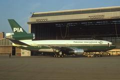 PIA - Pakistan International Airlines DC-10-30; AP-AXC, October 1977/BGC (Aero Icarus) Tags: plane aircraft jet pia flugzeug avion dc10 slidescan trijet pakistaninternationalairlines dc1030 apaxc