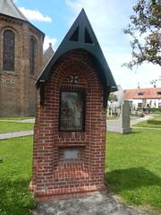 Sint-Bavo-en-Machutuskerk, Houtave (Erf-goed.be) Tags: geotagged westvlaanderen kerk zuienkerke archeonet houtave geo:lat=512362 sintbavoenmachutuskerk geo:lon=31108