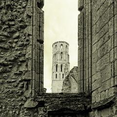 Eglise abbatiale de Jumièges - Seine Maritime (Vaxjo) Tags: abbey normandie ruines abbaye seinemaritime jumièges hautenormandie