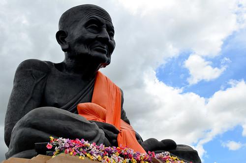 Wat Huay Mongkol (Big Buddhist Monk)