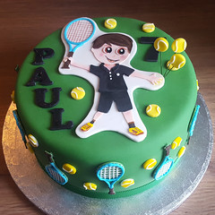 Paul's Tennis Cake (adrianarosati) Tags: adrianarosati cake cakedesign cakedecoration icing royalicing tennis racket tennisracket tennisballs yellow green black
