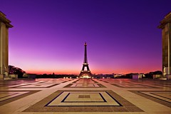 Eiffel Tower from Palais Chaillot (Barry O Carroll Photography) Tags: toureiffel eiffeltower palaischaillot trocadero pattern leadinglines dawn morning paris france symmetrical symmetry centred wideangle silhouette cityscape city urbanlandscape architecture travel