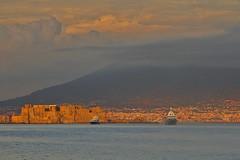 Il cappello del Vesuvio / The Vesuvius hat (Naples, Campania, Italy)(Explore!!!) (AndreaPucci) Tags: casteldellovo napoli naples castle campania italy italia vesuvius vesuvio vulcano volcano andreapucci canoneos60 explore