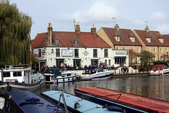 Ely Riverside (innpictime ζ♠♠ρﭐḉ†ﭐᶬ₹ Ȝ͏۞°ʖ) Tags: pub cambridgeshire river boats restaurant greatouse ely barge ncr11 willows cutterinn cruiser 523935710267823 narrowboat