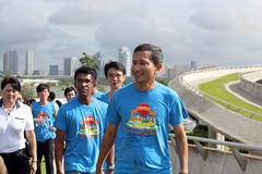 Vivian Balakrishnan attending SIWF 2014 (AshoweeTan) Tags: water festival marina fun photography singapore games event barrage