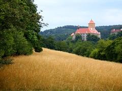 Veve Castle (Kojotisko) Tags: castle field landscape brno cc creativecommons czechrepublic fujifilmfinepix fujifilmfinepixsl1000 fujifilmfinepixsl1000kojotisko