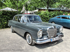 Mercedes 230 S - Gelsenkirchen Zeche Nordstern_1892_2014-06-15 (linie305) Tags: auto classic cars car vintage mercedes benz meeting autoshow oldtimer autos 230 oldcars gelsenkirchen carshow daimler nordsternpark 2014 nordstern 230s zechenordstern carmeeting nordsternklassik