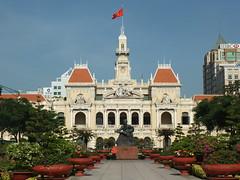 City Hall, Ho Chi Minh City (twiga_swala) Tags: city monument statue architecture square french hall office place head centre colonial vietnam peoples viet chi ho ban minh saigon committee ville nam hôtel phố thành hồ dân thànhphốhồchíminh chí nhân saïgon trụ hôte sở ủy trụsởủybannhândânthànhphốhồchíminh