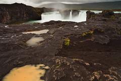 Goafoss (Rafa Riancho) Tags: canon waterfall iceland islandia rainy 5d rafa mkii cascada godafoss lluvioso 1740l goafoss riancho
