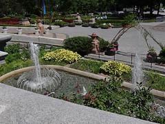 Les jardins du Parlement - Parliament's Gardens - Qubec (Jacques Trempe 2,270K hits - Merci-Thanks) Tags: fountain garden quebec jardin parliament parlement fontaine assemblee nationale