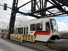 1996-1998 Siemens SD600 #209 (busdude) Tags: light max siemens rail area express trimet metropolitan lrv sd600