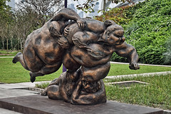 Rugby Players #1 (chooyutshing) Tags: sculpture singapore exhibit attractions marinabay baysouth gardensbythebay chubbywoman rubyplayers xuhongfeichina