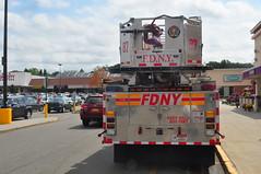 FDNY Tower Ladder 87 (Triborough) Tags: nyc newyorkcity ny newyork firetruck fireengine ladder statenisland fdny seagrave richmondcounty towerladder newyorkcityfiredepartment newspringville ladder87 towerladder87