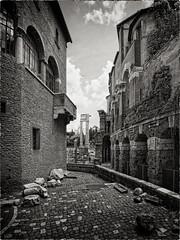looking at the narrow streets of Rome... (sermatimati) Tags: bw rome roma nikon pietre calore ghetto magia rovine vicoli antichità archeologia teatromarcello fascino sermatimati