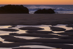 the day comes crashing to a end (grafficartistg4) Tags: autumn sunset white black color reflection fall beach nature water oregon reflections reflecting evening coast nw waves natural reflect reflective oregoncoast crashing lincolncity